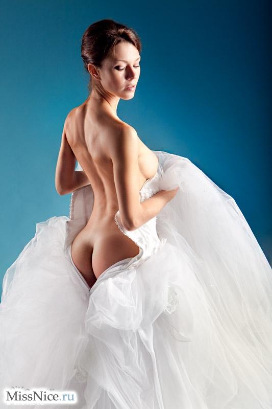 Фото девушек голые невесты пост