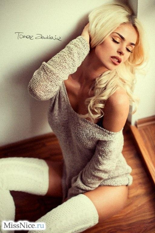 polugolie-blondinki-foto